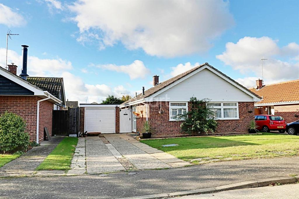 2 Bedrooms Bungalow for sale in Mersea Colchester