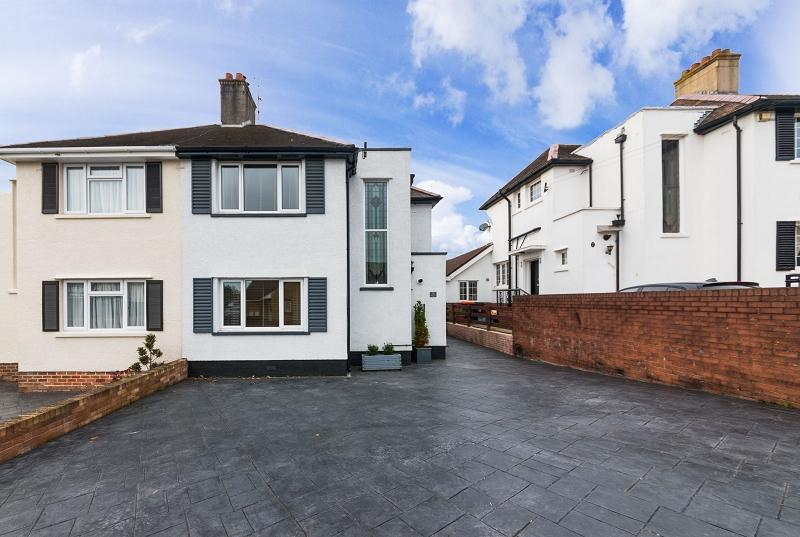 4 Bedrooms Semi Detached House for sale in Stelvio Park Drive, Newport, Newport. NP20 3EJ