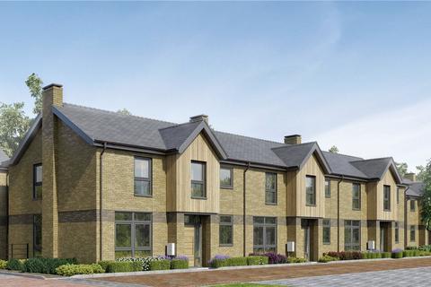 2 bedroom end of terrace house for sale - Upper Longcross, Chobham Lane, KT16