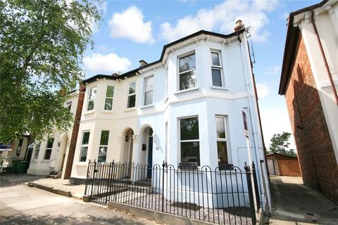 3 bedroom semi-detached house to rent - Gloucester Road, Cheltenham, GL51