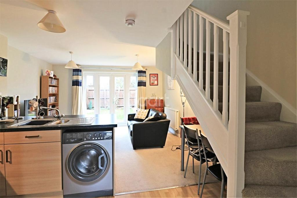 2 Bedrooms Semi Detached House for sale in Spitfire Drive, Watton