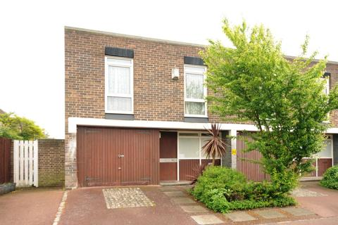 4 bedroom house to rent - Lings Coppice London SE21