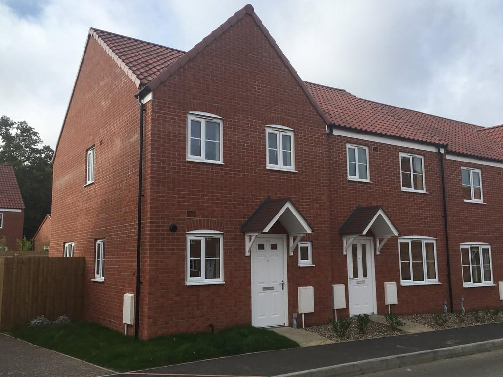 2 Bedrooms Semi Detached House for sale in Avocet Rise, Sprowston, Norwich