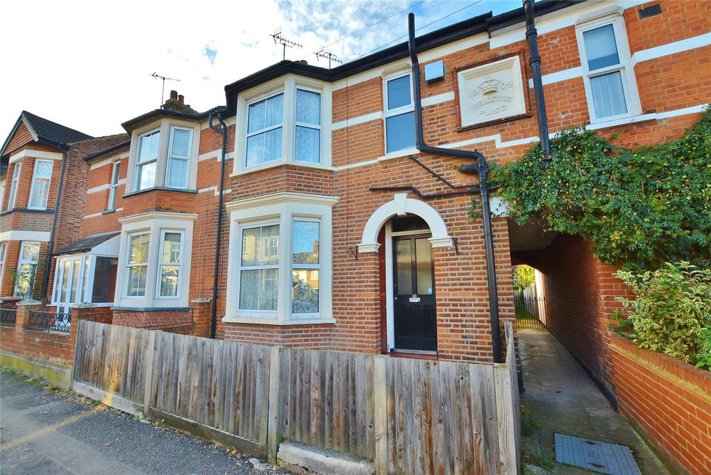 3 Bedrooms Terraced House for sale in Rudolph Road, Bushey, Hertfordshire, WD23