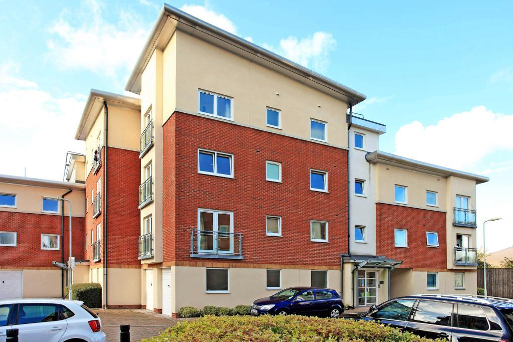 2 Bedrooms Flat for sale in Winterthur Way, Basingstoke, RG21