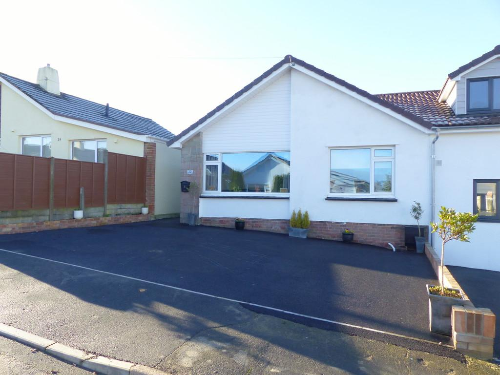 2 Bedrooms Semi Detached Bungalow for sale in Ipplepen, Devon