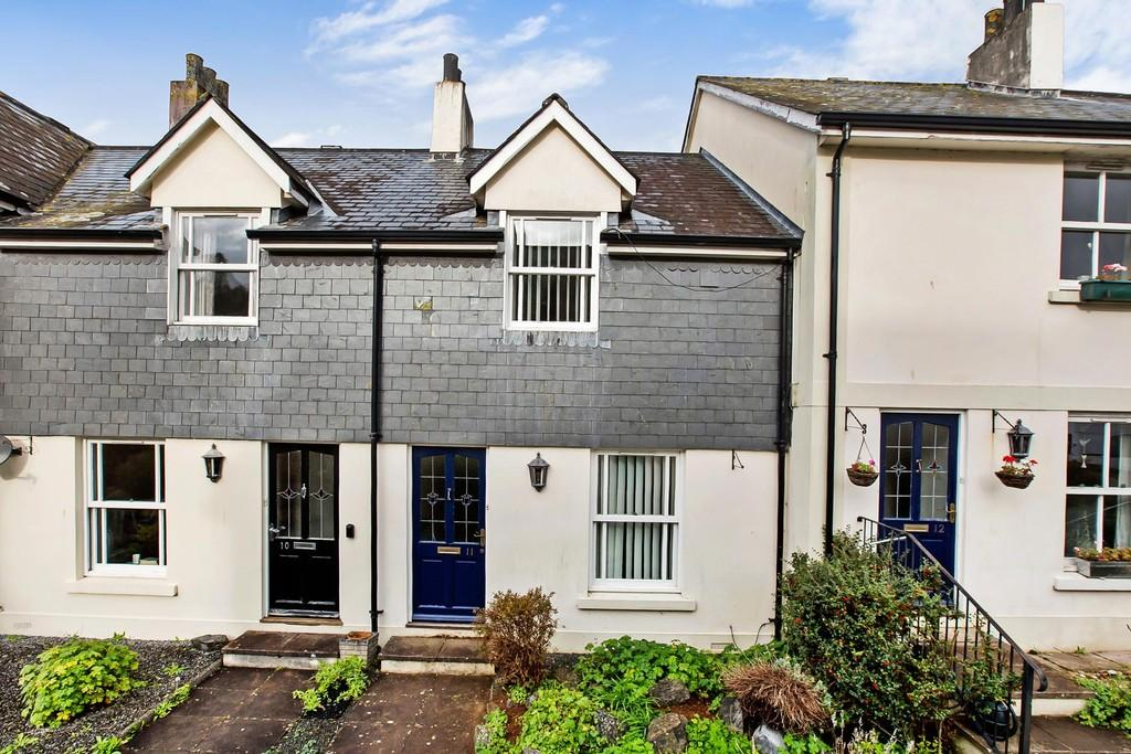 2 Bedrooms Terraced House for sale in Reeves Close, Totnes