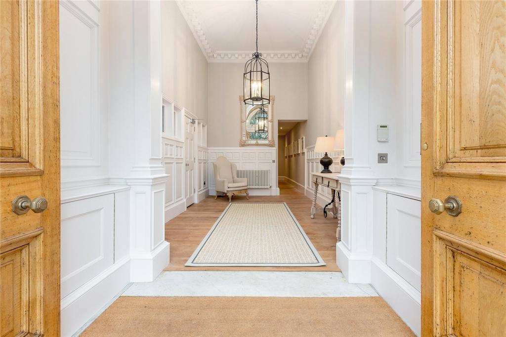 2 Bedrooms Flat for sale in Drumsheugh Gardens, Edinburgh