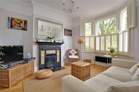 4 bedroom terraced house to rent - Tuam Road, London, SE18