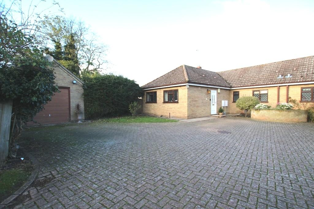 2 Bedrooms Semi Detached Bungalow for sale in Chapel Street, Ely