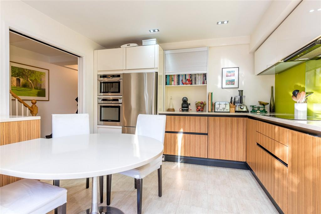 3 Bedrooms Maisonette Flat for sale in Morton Road, Islington, London, N1