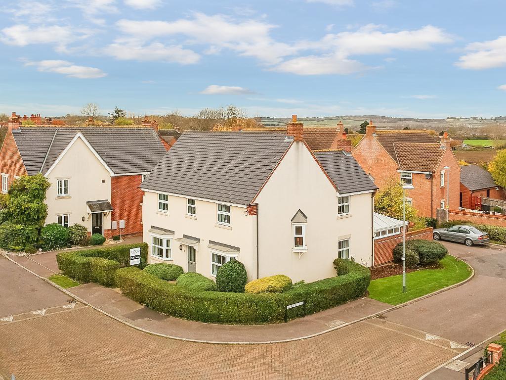 4 Bedrooms Detached House for sale in Butler Drive, Lidlington, Bedfordshire, MK43 0UQ