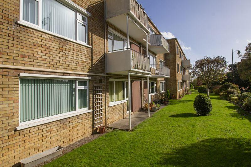 2 Bedrooms Apartment Flat for sale in Albany Court, Beach Road, Penarth