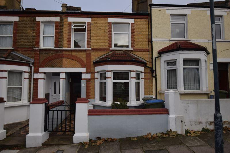 3 Bedrooms Terraced House for sale in Congo Road, Plumstead, SE18 1TF