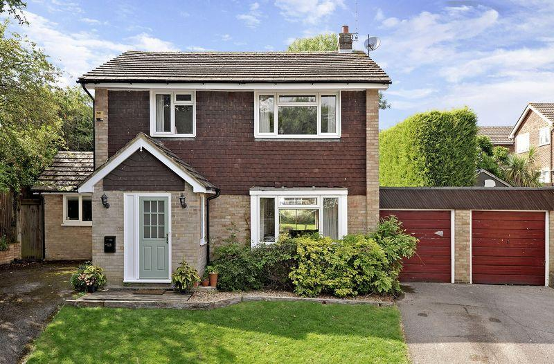 4 Bedrooms Detached House for sale in Woodfield Road, Rudgwick