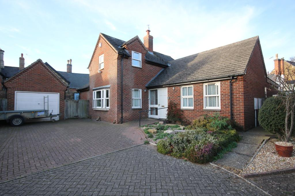 3 Bedrooms Barn Conversion Character Property for sale in Alwyne Close, Oakham
