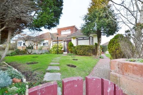 3 bedroom semi-detached house to rent - Crescent Drive South, Brighton, BN2