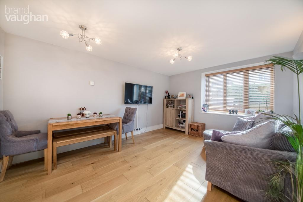 1 Bedroom Ground Flat for sale in Tanyard Lane, Steyning, BN44
