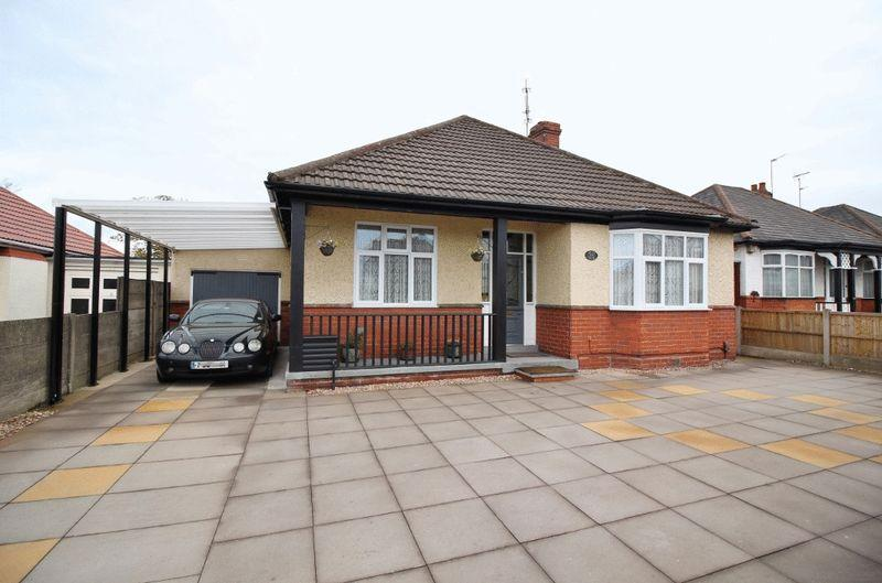 2 Bedrooms Detached Bungalow for sale in Stafford Road, Oxley, Wolverhampton