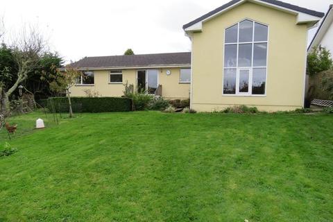 4 bedroom bungalow for sale - Barrack Lane, Truro