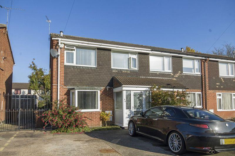 3 Bedrooms Semi Detached House for sale in LEDBURY CHASE, STENSON FIELDS
