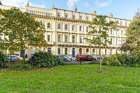 2 bedroom apartment for sale - Victoria Square, Clifton