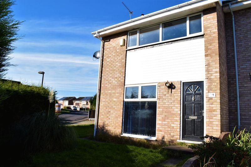 3 Bedrooms Semi Detached House for sale in Labrador Drive, Brigg