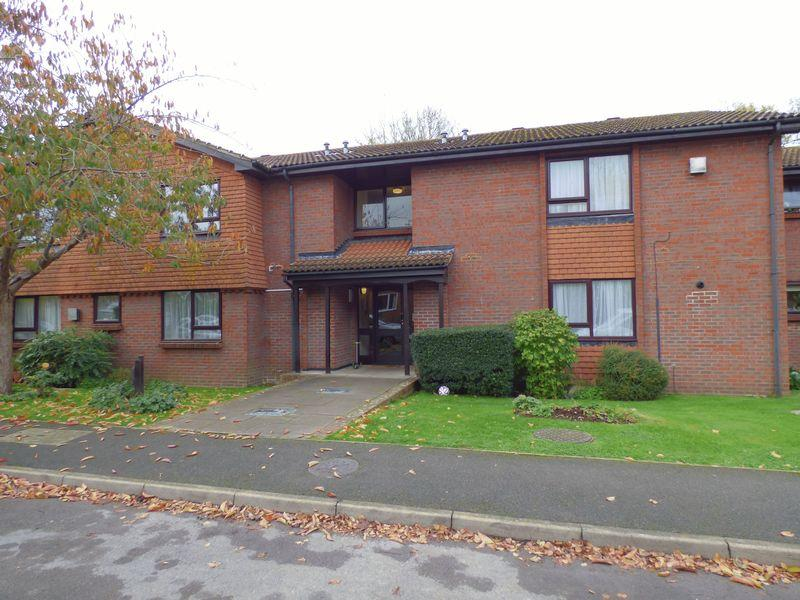 Studio Flat for sale in Bookham