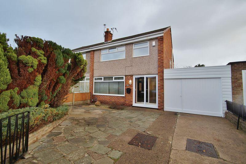 3 Bedrooms Semi Detached House for sale in Cornwall Way, Ainsdale