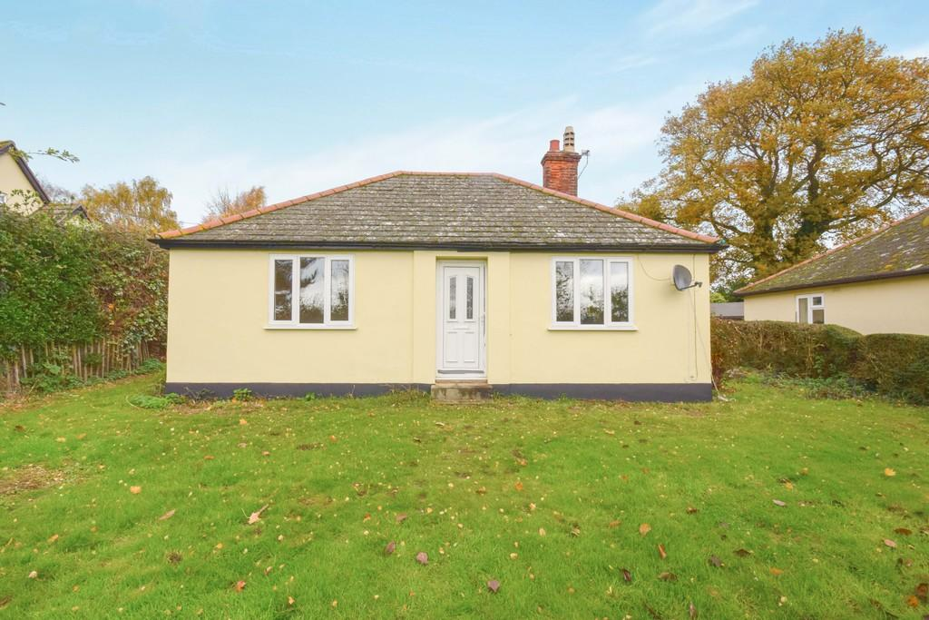 3 Bedrooms Detached Bungalow for rent in Wormingford, Colchester