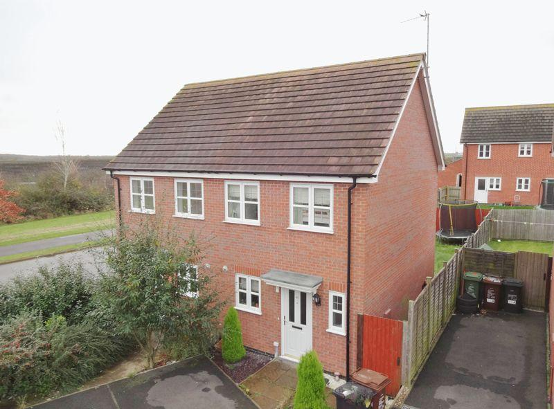 2 Bedrooms Semi Detached House for sale in Farnborough Close, Oakley Vale, Corby