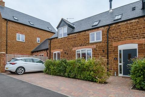 2 bedroom property to rent - Orchard Court, Wellingborough
