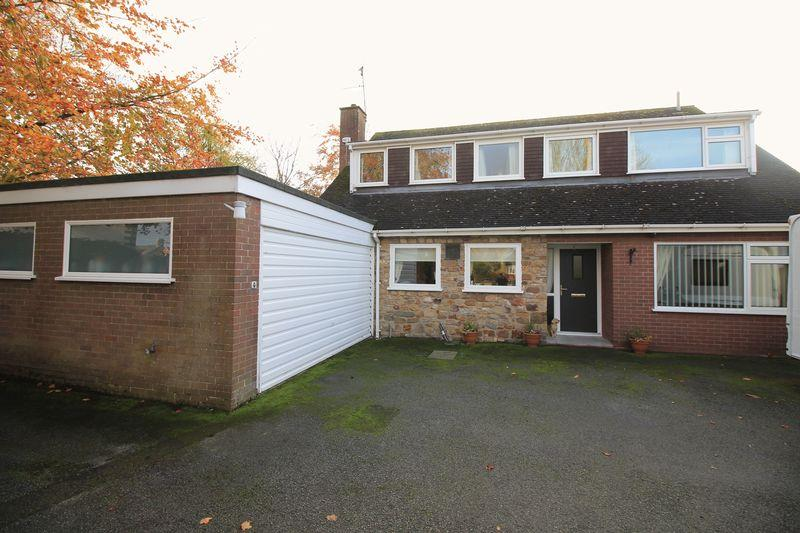 4 Bedrooms Detached Bungalow for sale in Whittington Road, Oswestry