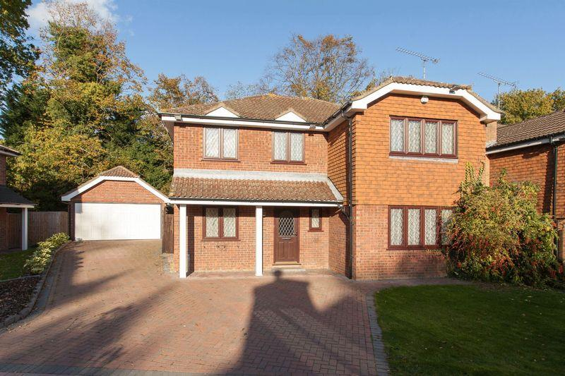 4 Bedrooms Detached House for sale in High Grove, Bromley/Bickley borders