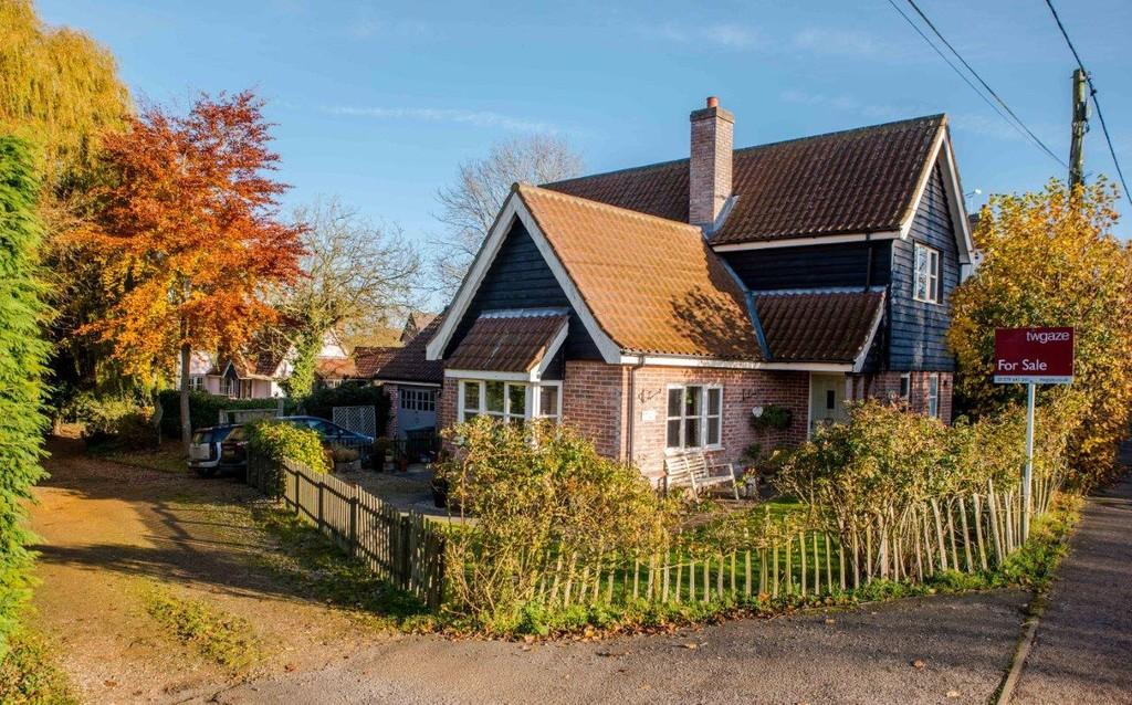 3 Bedrooms Detached House for sale in Finningham, Suffolk