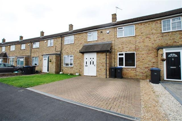 3 Bedrooms Terraced House for sale in The Readings, Harlow