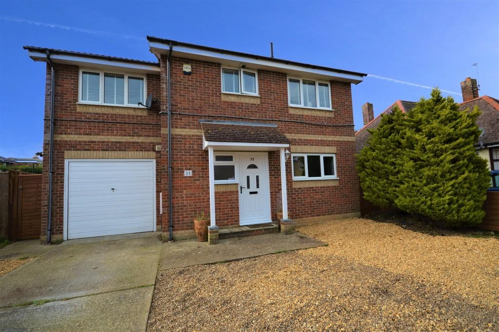 4 Bedrooms Detached House for sale in Louis Road, Lake, Sandown