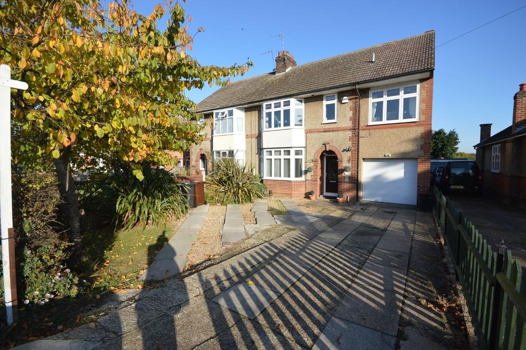 4 Bedrooms Semi Detached House for sale in Mersea Road, Colchester