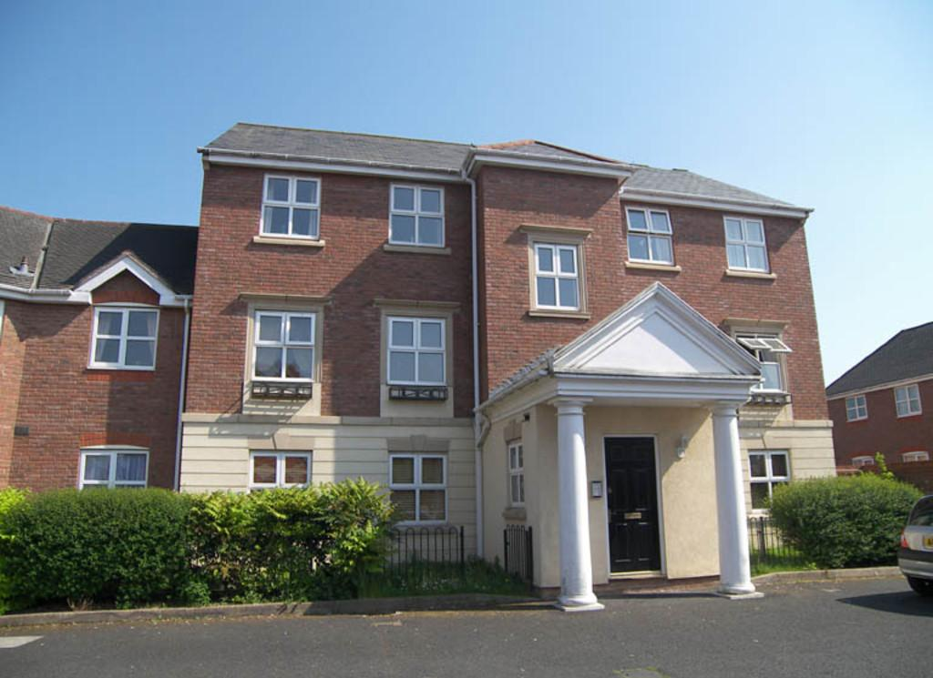 2 Bedrooms Apartment Flat for sale in Ledwell, Dickens Heath