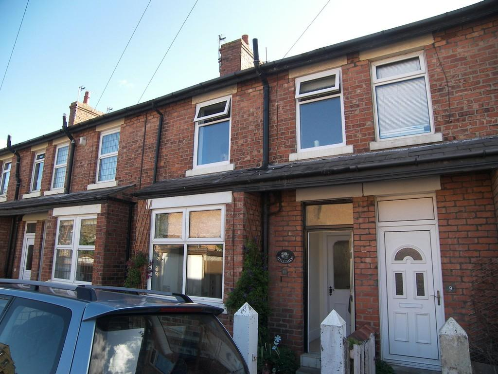 2 Bedrooms Terraced House for sale in 11 Gloucester Road