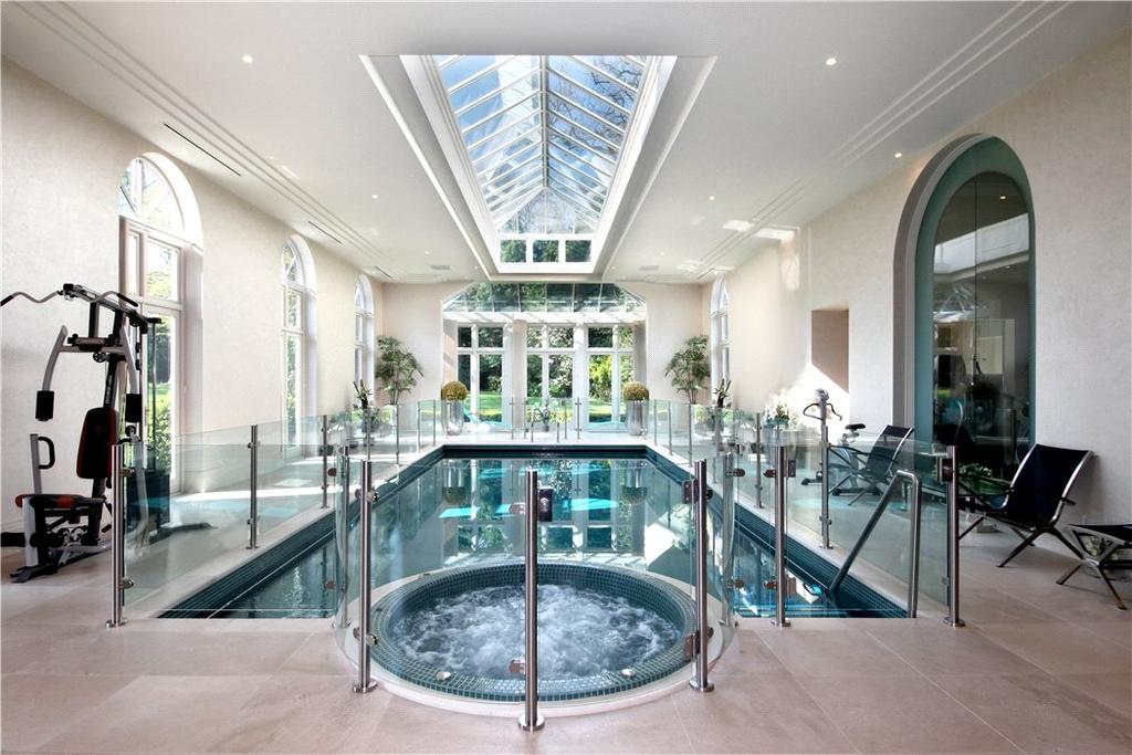 7 Bedrooms Detached House for sale in Granville Road, St George's Hill, Weybridge, Surrey, KT13