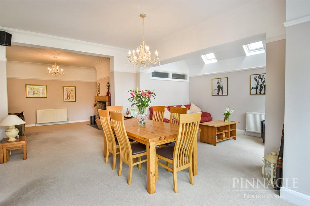 5 Bedrooms Detached House for sale in Imperial Avenue, Westcliff-on-Sea, Essex, SS0