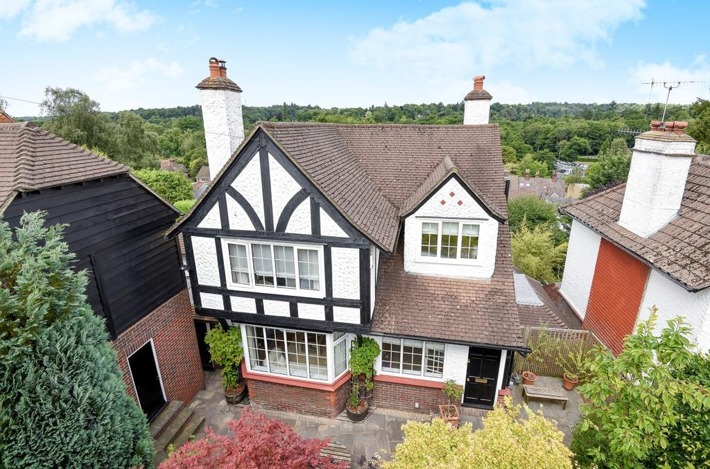 5 Bedrooms Detached House for sale in Longdene Road, Haslemere, GU27