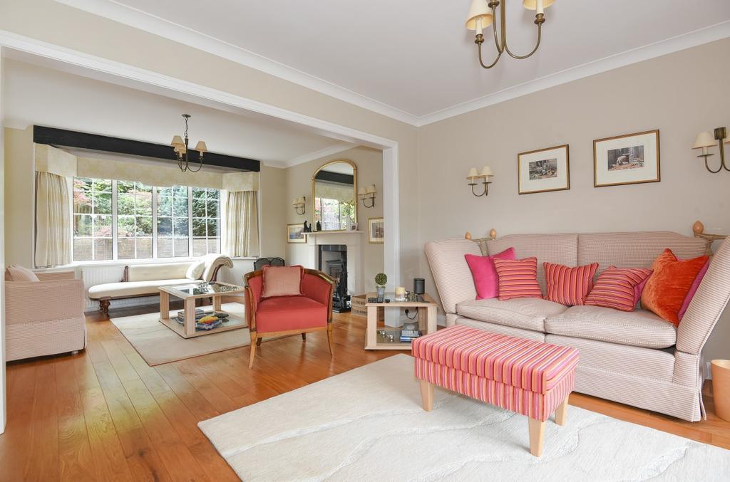 5 Bedrooms Detached House for sale in Longdene Road, Haslemere, GU27