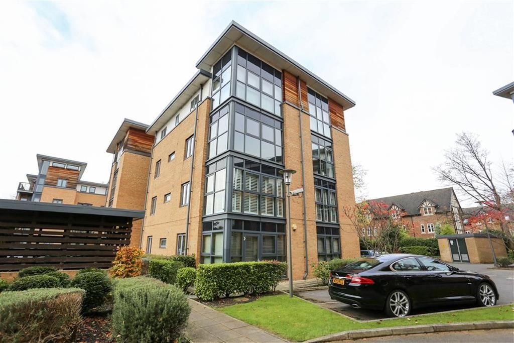 2 Bedrooms Flat for sale in Larke Rise, Manchester
