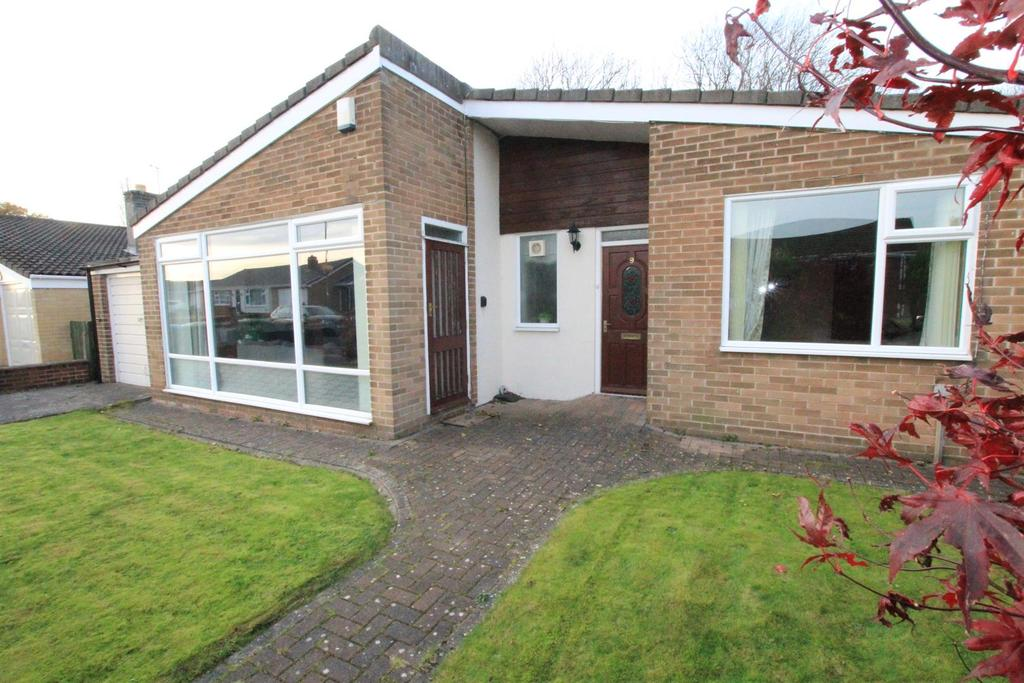 3 Bedrooms Detached Bungalow for sale in Thurlow Grove, Newton Aycliffe