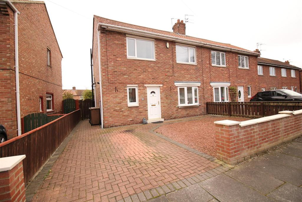 2 Bedrooms Semi Detached House for sale in Mccracken Drive, Wideopen, Newcastle upon Tyne