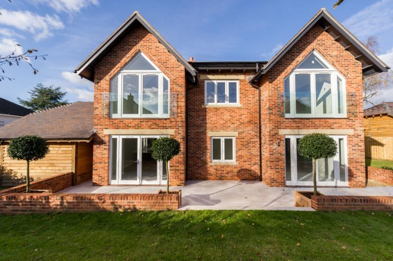 5 Bedrooms Detached House for sale in Nightingale House, Vale View, Cumnor Hill, Oxford