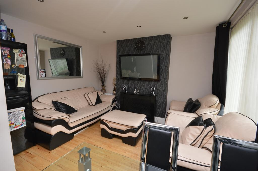 3 Bedrooms Terraced House for sale in Millmark Grove SE14