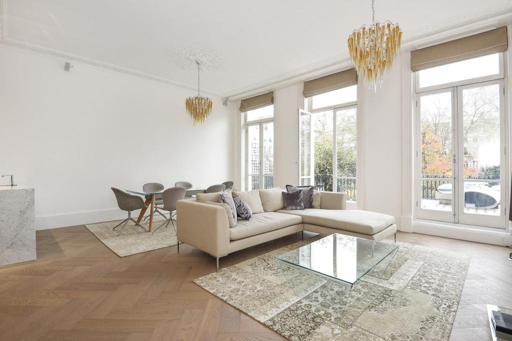 2 Bedrooms Flat for sale in Redcliffe Square, London